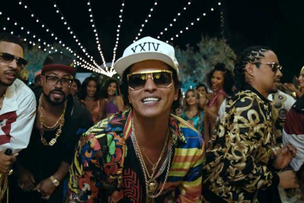 Tribute 'Leave The Door Open' Bruno Mars Disambut Meriah